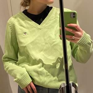 Skitcool grön pullover tröja från gant som jag köpt second hand🥰  aldrig använt🌸
