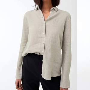 """Linneskjorta från Gina Tricot deras """"Premium Quality."""" Sparsamt använd så i bra skick. Nypris på hemsidan är 299 :-"""