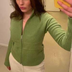 Grön kofta i ull! Storlek xs!💚