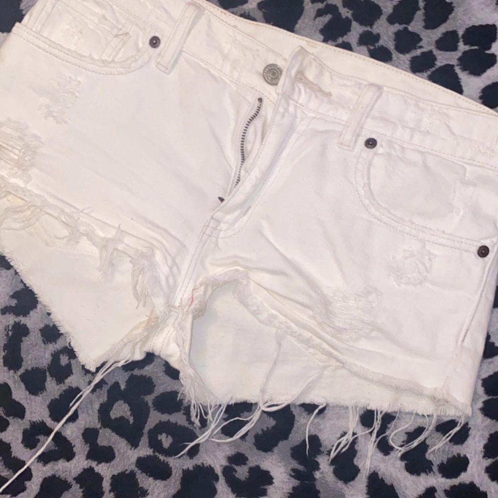 I bra skick, nypris 999kr . Shorts.