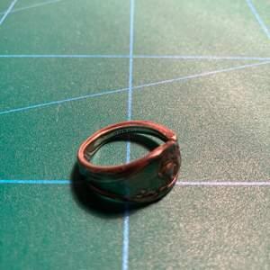 Ring i nysilver X2 st