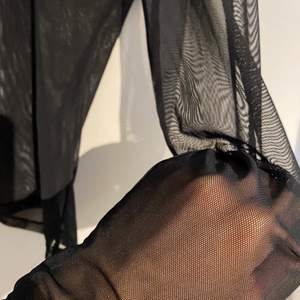Jättefin nästan oanvänd mesh topp från bikbok. Kommer inte till användning. Bud från 100kr inklusive frakt