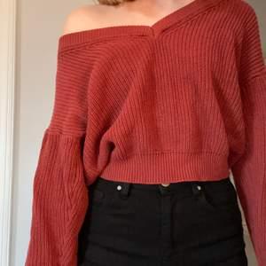 Mysig tröja från Gina Tricot i strl M. Köparen står för frakten❤️