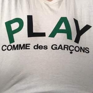 Säljer min fina cdg tshirt som tyvärr inte kommer till användning, köpt på plick o använd fåtal gånger 💕