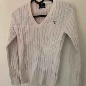 En Gant tröja jag har bytt färg på haha, från vit till rosa, använder inte längre.