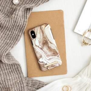 Supersnyggt beige/vit mobilskal från idealofsweden 🤍iphone 11 PRO Max🤍 iprincip oanvändt