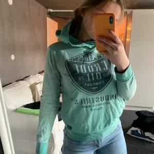 Fin grön grön hoodie