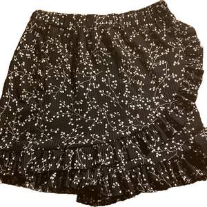Black shorts/skirt