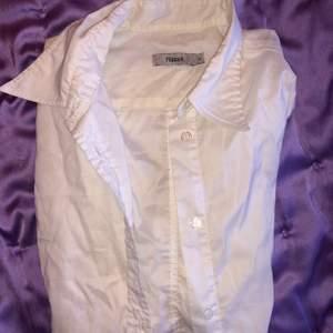 Jätteskön Filippa skjorta, vit superbra skick!