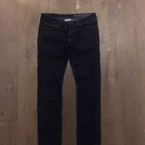 Jeans från Dobber i storlek W30/L32. Nyskick, bara provade. Kan skickas eller mötas i Stockholm.