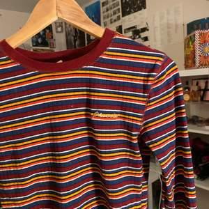 Jätte fin vintage aktig tröja från urbanoutfitters! frakt ingår ej, kan mötas upp i sthlm😚