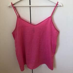 Rosa linne köpt från nakd men annat märke, fint men använt skick.