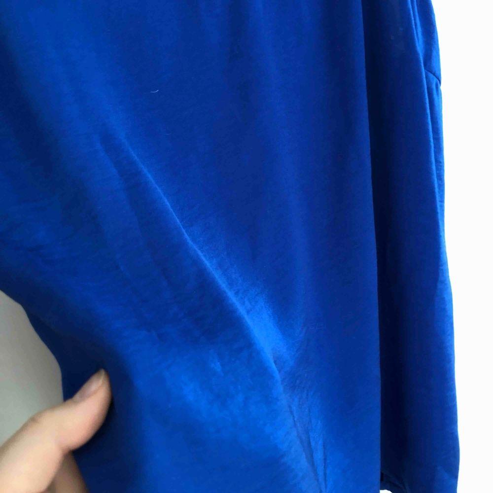 Så fint linne i silke! Aldrig använt!♻️🌱 Köparen står för frakt🌍 Behöver bli av med allt snabbt! Annars skänker jag det!✨. Toppar.