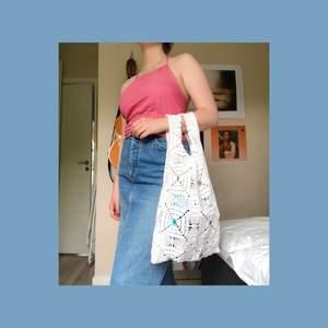 En unik och gullig väska att ta med till stranden? Den är hemmasydd av mig och aldrig använd :)💓