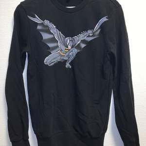 Bekväm svart sweatshirt med Batman Tryck. Mycket bra skick