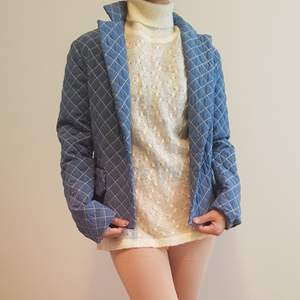 Donna sui blue jacket May fit to xs to small Can meet up at tcentralen
