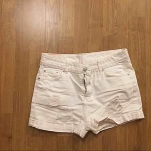 En vit shorts