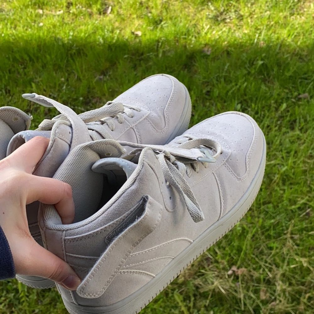 Dam skor. . Skor.