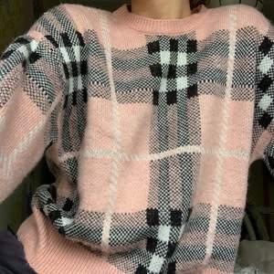 Säljer denna mysiga stickade tröja. 140kr +63kr frakt, spårbart.🌸🌸