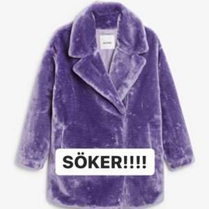 söker denna jacka från monki i storlek M eller L, antingen den lila eller den mintgröna!!! 🥺🥺✨✨✨