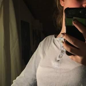Ljusblå långärmad tröja med knappar💕.
