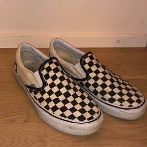 Vans skor i storlek US9 säljes då de ej kmr till användning längre🔥buda✅