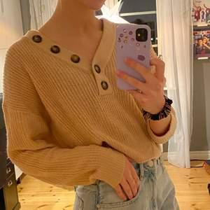 Jättemysig tröja som tyvärr inte kommer till användning längre, hör av dig om du har några frågor✨