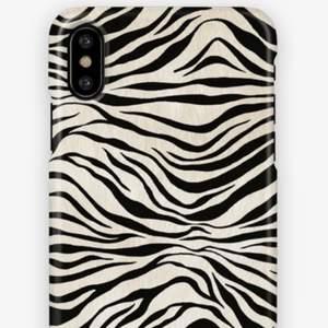 Ett superfint zebraskal från bästa Ideal of Sweden, passar Iphone X! 🤍🖤🦓 Skriv vid intresse!