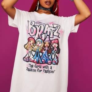 T-shirt från Dollskill x Bratz i storlek S. Helt ny med lapparna kvar.