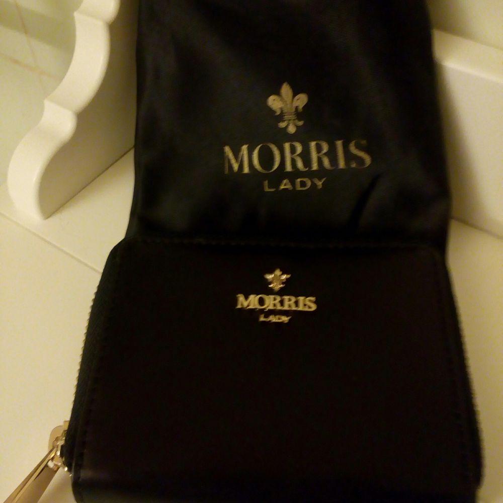 Helt oanvänd plånbok fr Morris Lady. Säljer för 100kr. Kan skickas mot fraktkostnad 😊. Accessoarer.