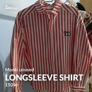 Nysckick longsleeve shirt från monki. Aldrig använt.