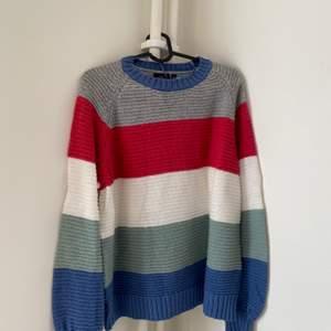 Mysig tröja från Kappahl. Köparen står för fraktkostnad, kan även mötas upp i Halmstad