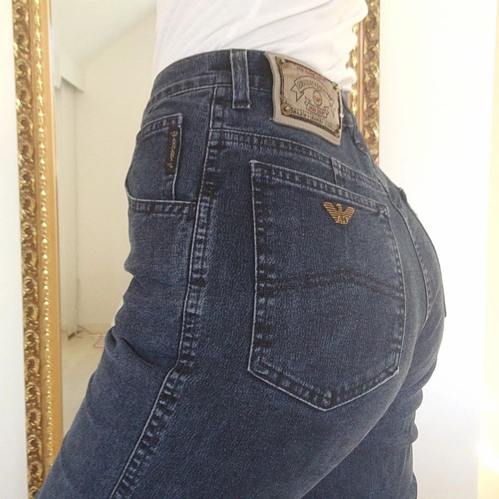Vintage Armanijeans   Storlek S/XS typ... Men passar nog M också pga något stretchigt material  Köparen står för frakt!. Jeans & Byxor.