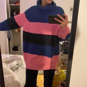 Ass najs tjocktröjan, själv brukar jag använda som klänning på vintern eller våren. Köpte på Urban outfiters för 900kr