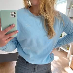 Mysigaste sweatshirten från Jack Wills!! Aldrig använd💙 BUD PÅ 370+ frakt!! Budgivningen avslutas imorgon 20/9 kl 19