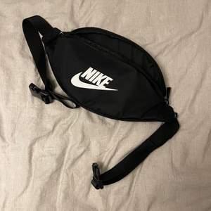 Nike midje väska använd 1 gång max