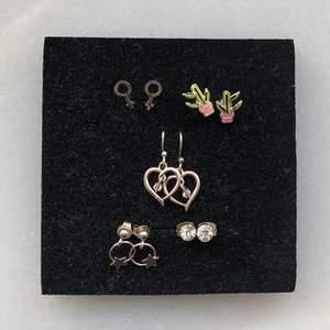 Hjärta och stjärna är i äkta silver. Aldrig använda men rengör självklart innan jag skickar dem! ✨Hjärta, stjärna:  60kr/st✨ Kaktus, venus, diamant: 30/st✨ Eller köp alla för 170kr💖