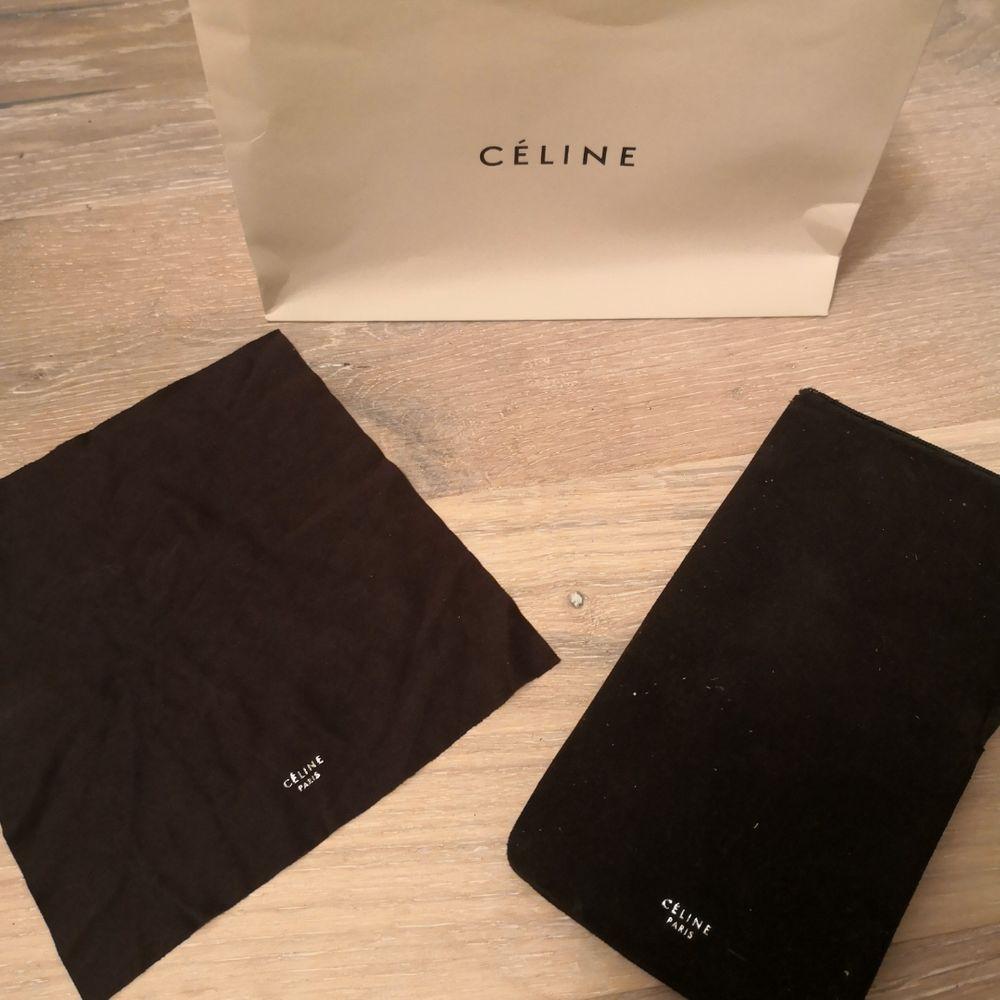 Äkta Céline solglasögon fodral, duk och påse . Väskor.
